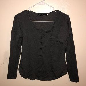Tops - Quarter length sleeve shirt